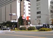 永田町に五星紅旗がひるがえる